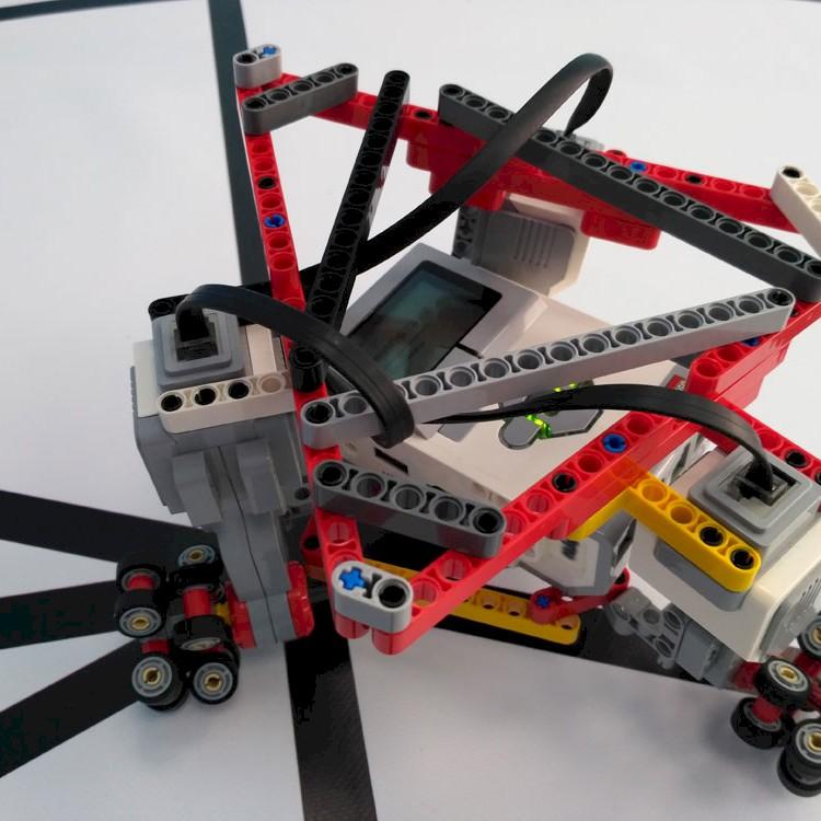 Παντοκατευθυντικό τρίγωνικό ρομπότ με Omni Wheels, Το ρομπότ που κινείται προς οποιαδήποτε κατεύθυνση!