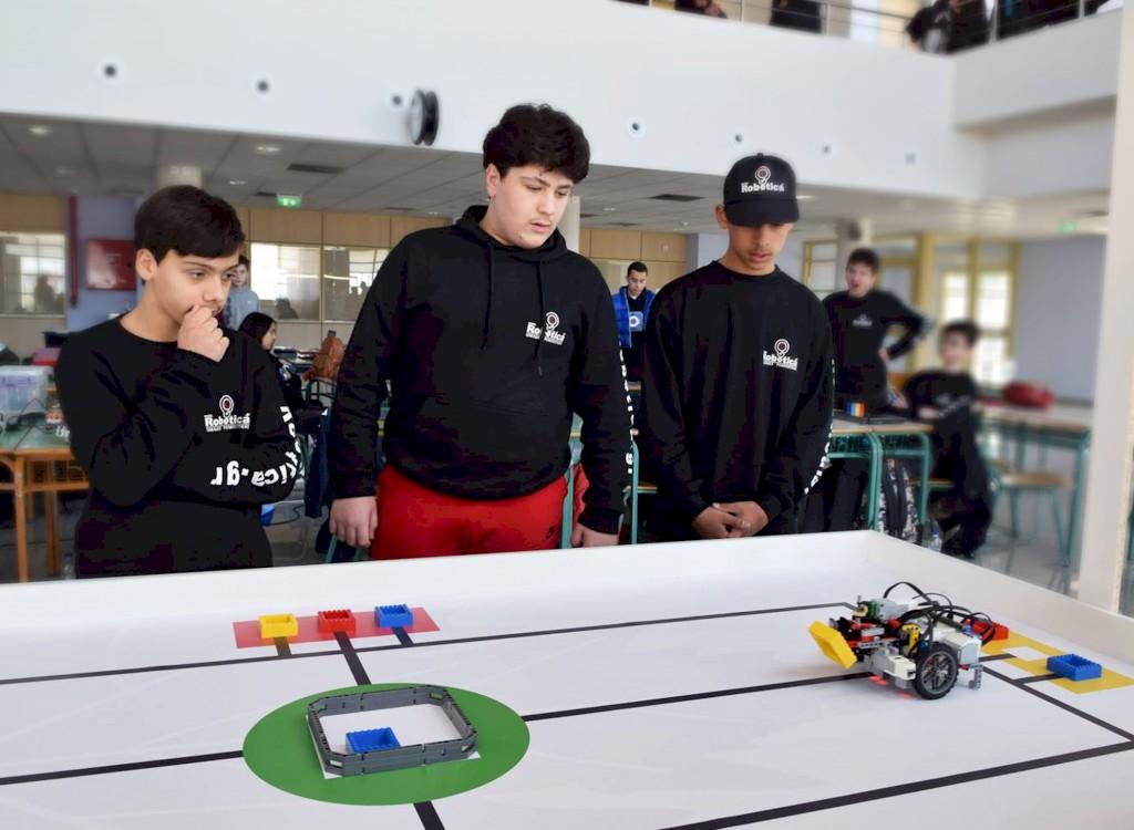Αγωνιστικά τμήματα ρομποτικής